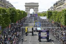 Drone Champions League aud der Champs Élysées
