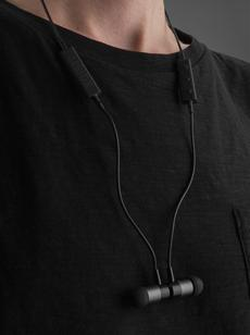 Kabelloser Sound, maximale Freiheit: Das neue BT Stereo In Ear Headset von XQISIT